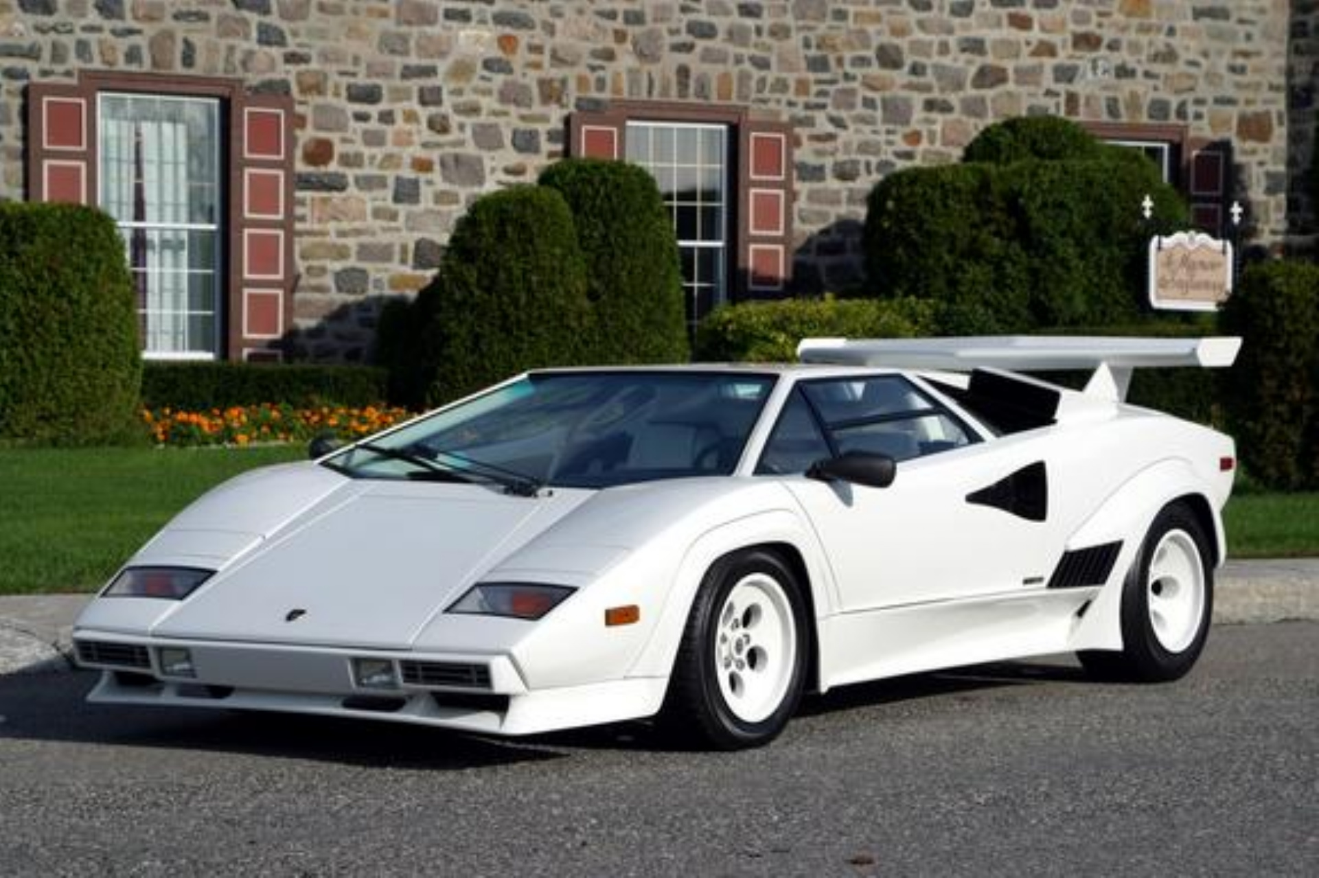 Une L 233 Gende D Un Autre Temps La Lamborghini Countach